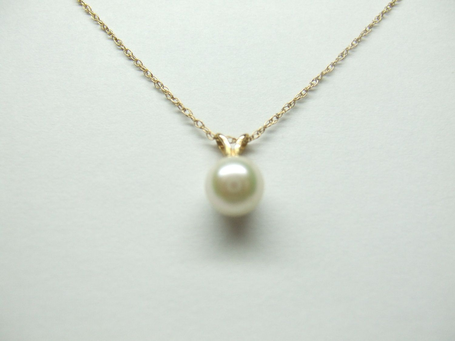 14k vintage pearl pendant with thin gold chain pinterest thin 14k vintage pearl pendant with thin gold chain 6500 via etsy aloadofball Images