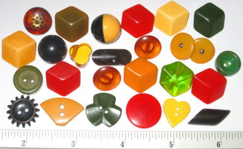 Special-Collectible-BAKELITE-Early-Plastic-BUTTONS-SHAPES