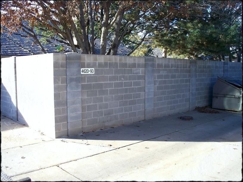 You May Generally Estimate The Number Of Blocks And Mortar You Ll Need For Any Particular Project Before Picking Th Fence Design Cinder Block Walls Wood Fence