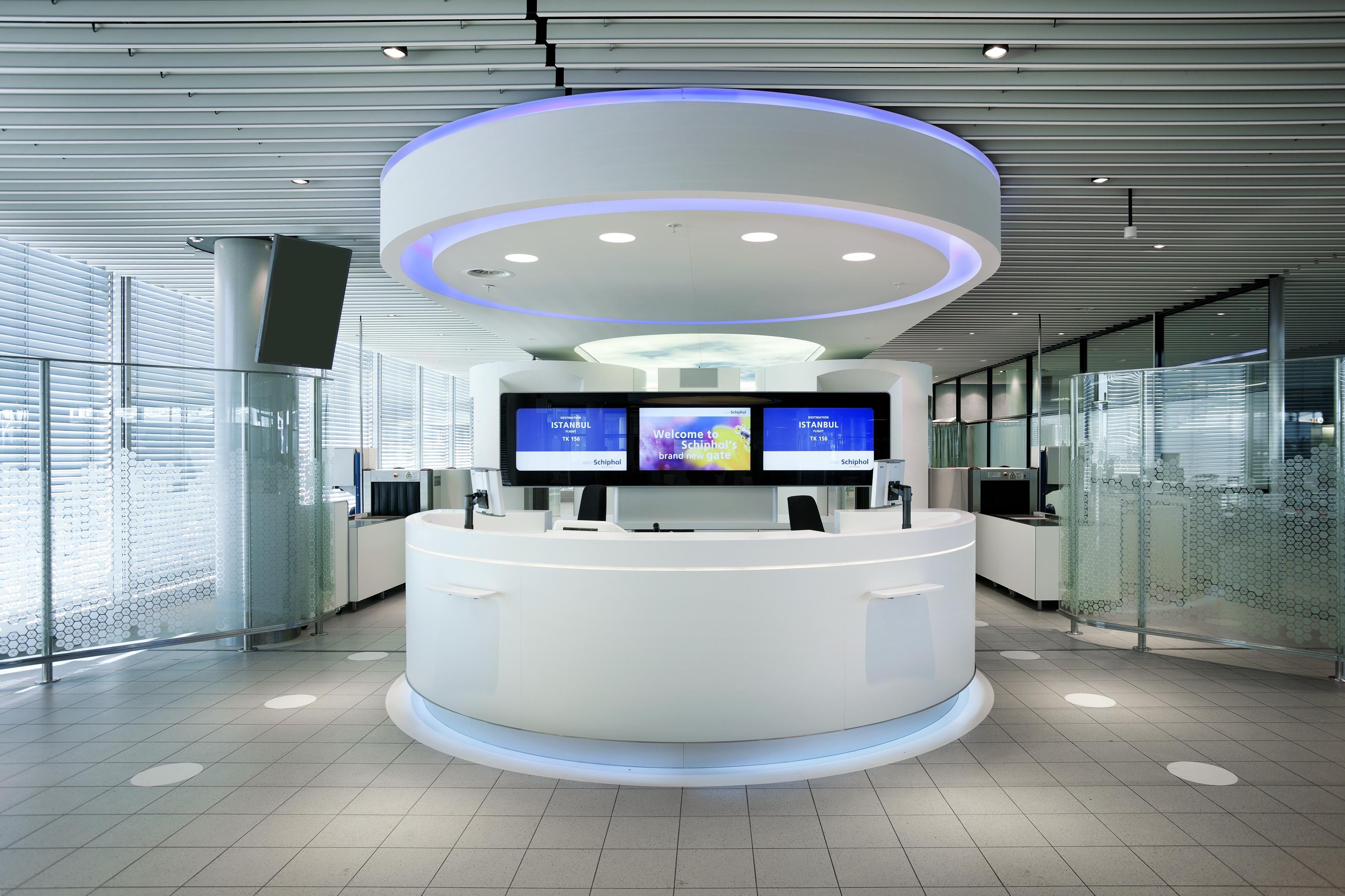 Beautiful Futuristic Interior Design With Circle Set Of