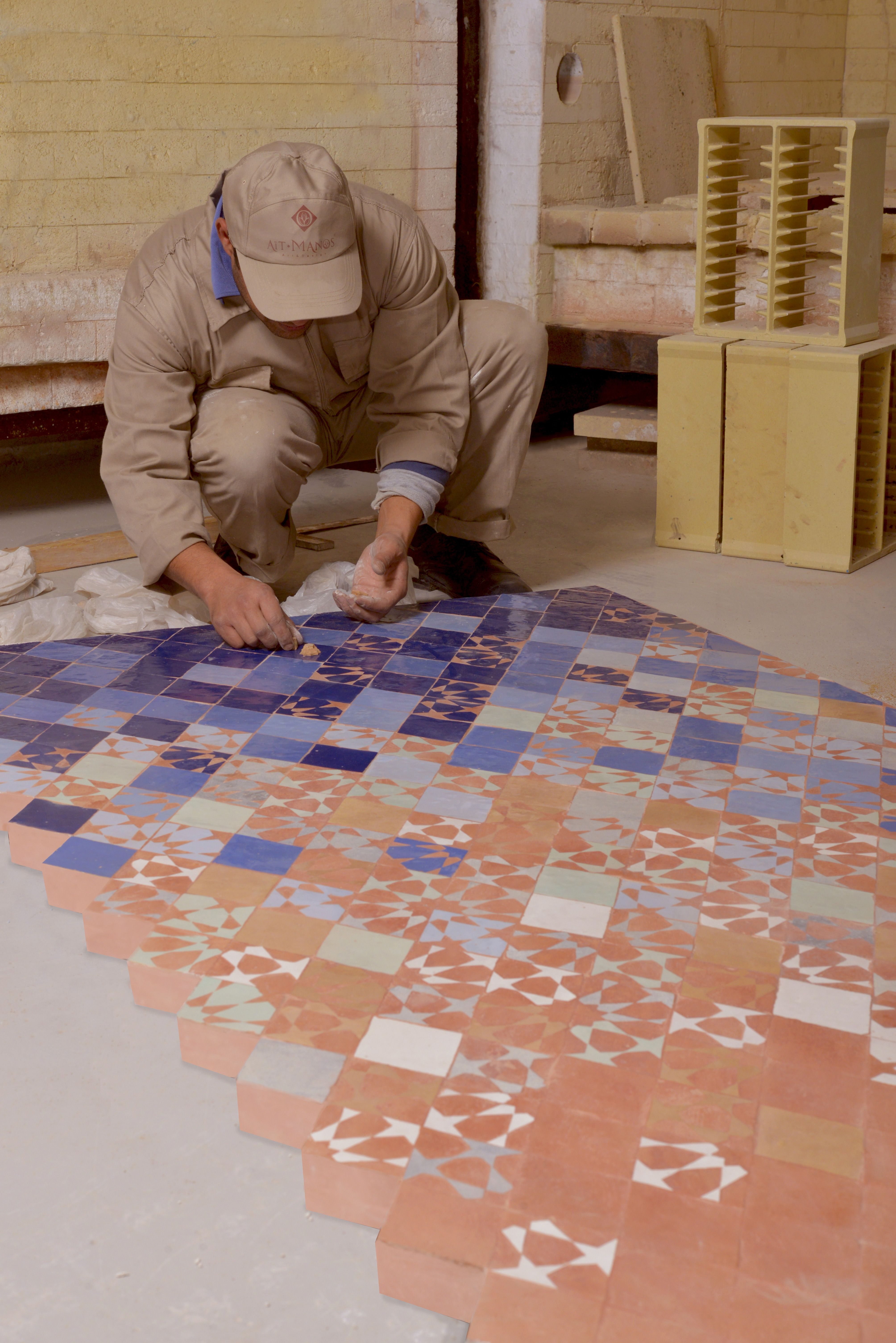 Fresque entirement faitmain handmade mosaics morocco with - Fresque carrelage mural ...
