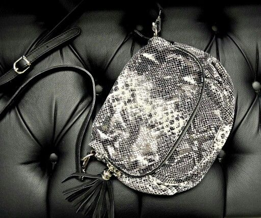 Stunning snake bag now available at #NicciBoutiques #NicciWinter2015