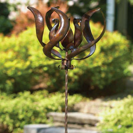 Ancient Graffiti Lily Stake Spinner Garden Flower Kinetic Wind Metal Yard  Art