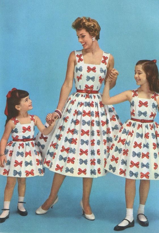 Nothing says love of country like matching Mom & daughter outfits. 1950s fashion advertisement. #4thOfJuly Style! Tyranny of Style.