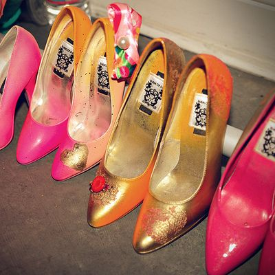 Unique DIY Gold Metallic Shoes Tutorial
