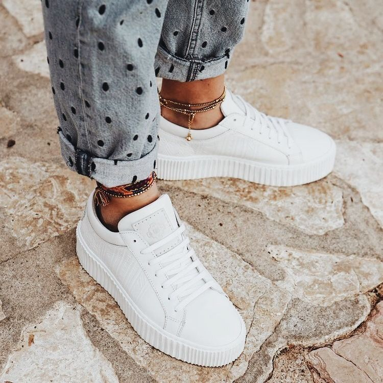 womens white comfortable sneakers