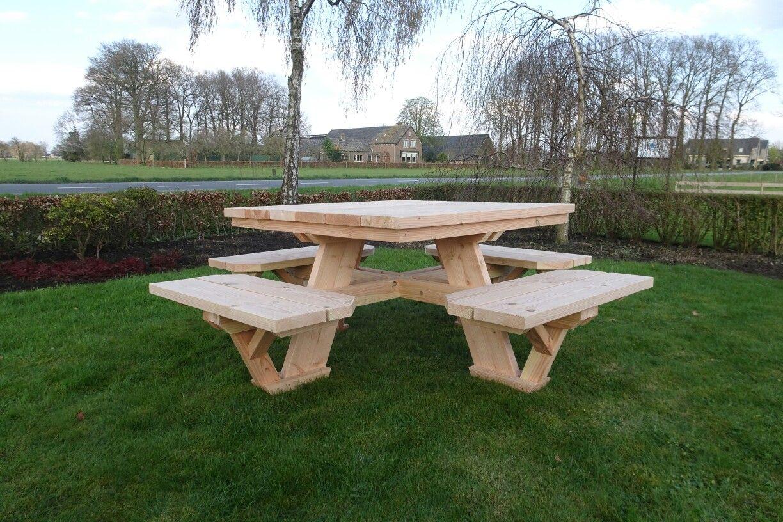 Vierkante Houten Tuintafel 8 Personen.Een Robuuste Vierkante Picknicktafel Deze Tafel Is Geschikt