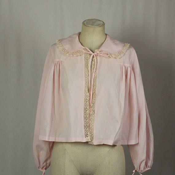 a00ea499e50 1960s Vintage Pale Pink Bed Jacket. Size Medium Retro 1960s