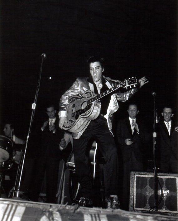 Elvis Presley live 1957