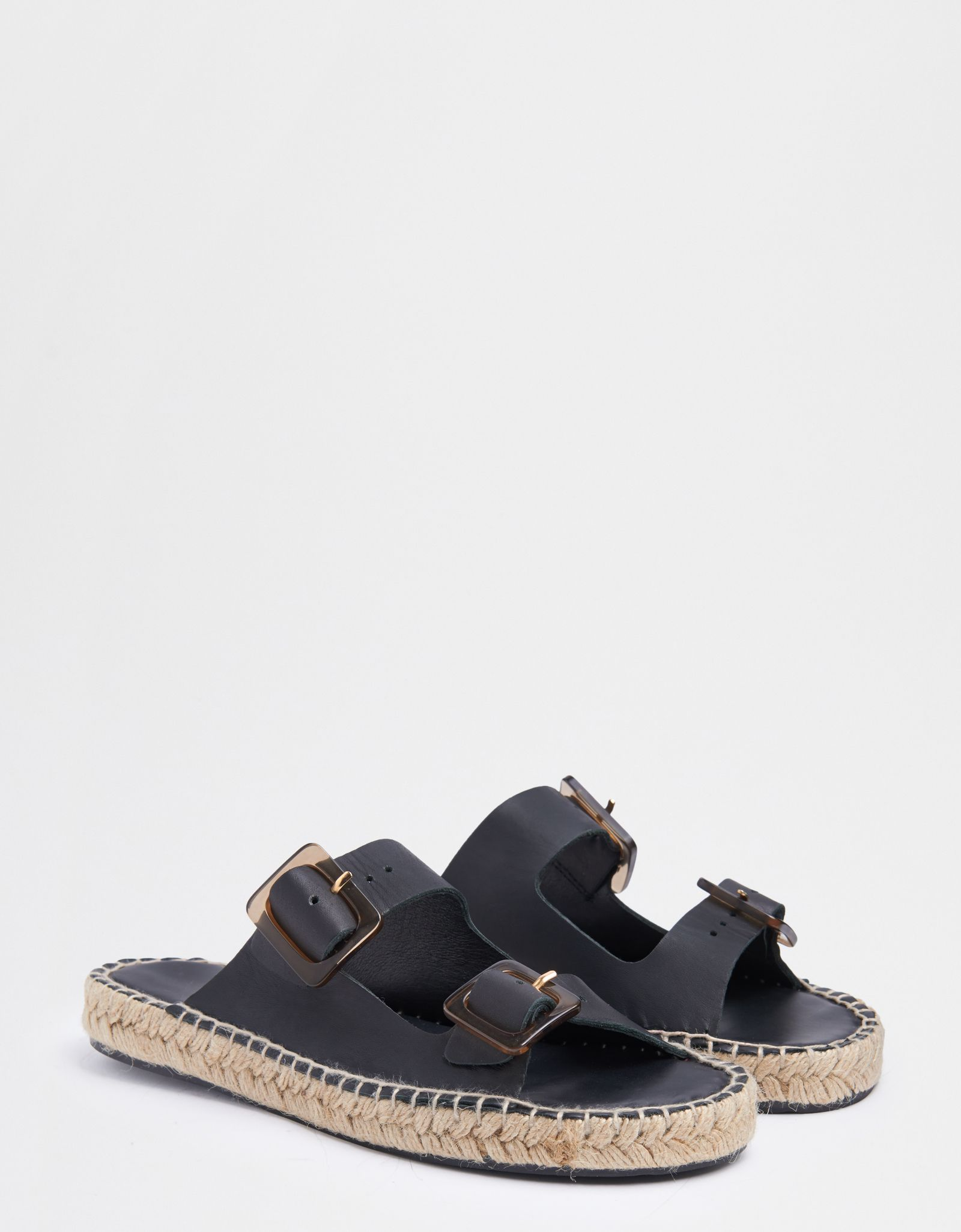 These Al Cruiser Sandals Are The Alternative Birkenstock