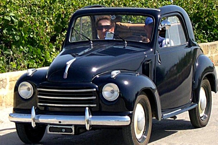 fiat 500 topolino c voiture routi re de 1948 la fiat 500 topolino c cette ancienne voiture. Black Bedroom Furniture Sets. Home Design Ideas