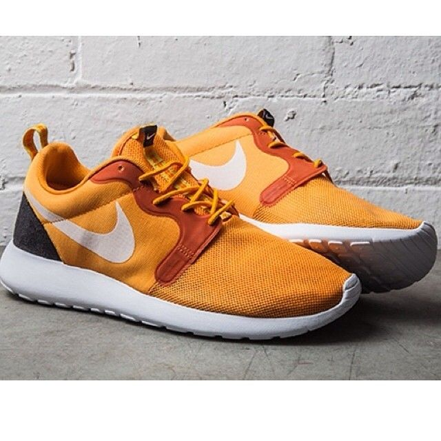 factory authentic 2088d d7c2d Nike Roshe Run Hyperfuse (Kumquat) - Sneaker Freaker