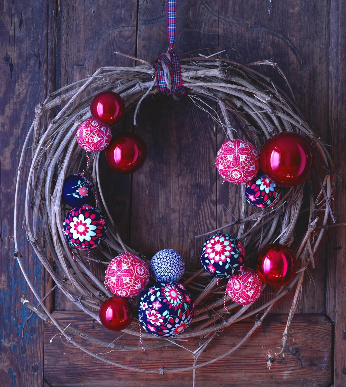 weihnachtskugeln die stars am weihnachtsbaum xmas. Black Bedroom Furniture Sets. Home Design Ideas