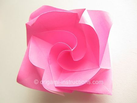 how to make a realistic oragami rose