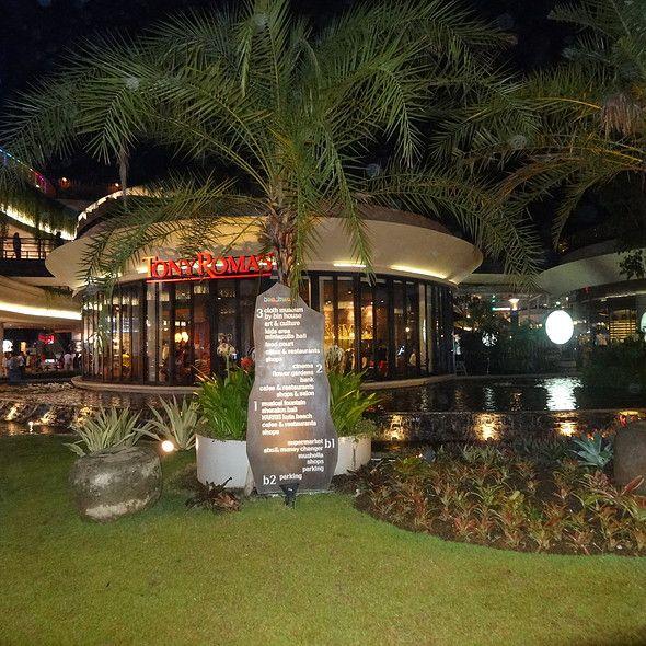 Restaurant @ Tony Roma's Beachwalk Kuta Beach Bali