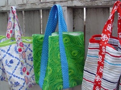 5 Step Market Tote (upcycled from old pillow cases) Now to find cute pillow cases like these...