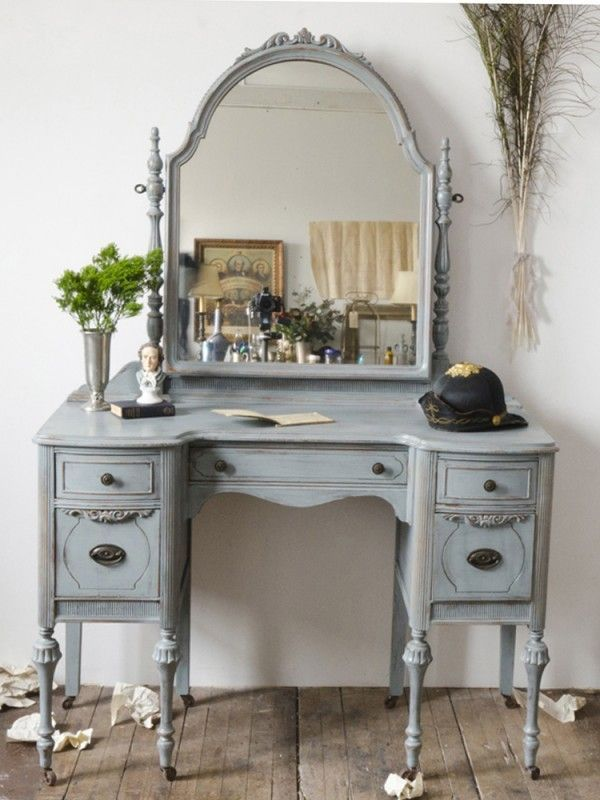 Beautiful painted vanity from The Savoy Flea | Friday Favorites at  www.andersonandgrant.com - Friday Favorites Vanities, Blue Dressing Tables And Dressing Tables