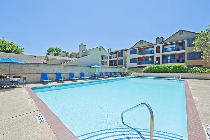 Treat yourself to the #lifestyle you deserve at a price you can afford at The Hendrix Apartment Homes in #Austin, Texas! Relax by the swimming #pool or work out at our state of the art #fitness center!