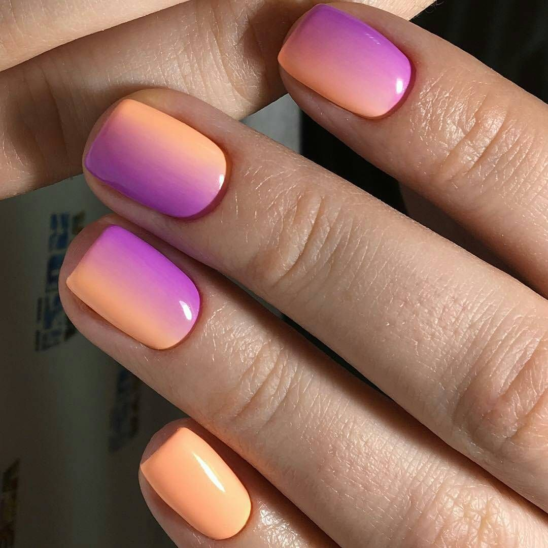 I love a good ombre. Nails done by @nailartist_vseyarusi ...