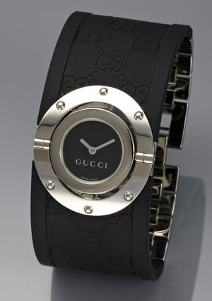 GUCCI Ladies Twirl Bangle Watch