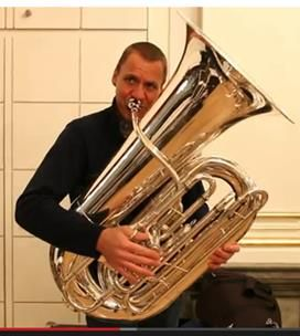 Tuba players suck