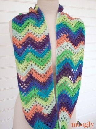 Chevron Lace Infinity Scarf - free #crochet pattern on Mooglyblog ...