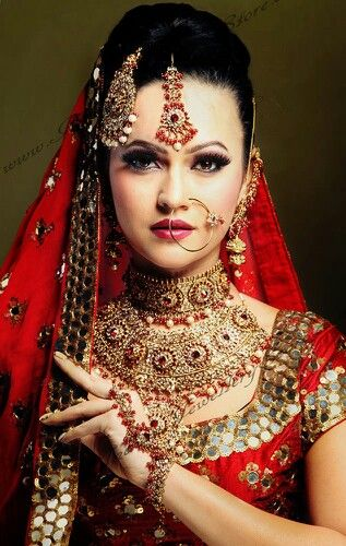 Nice red colour nd beautiful jewellery....