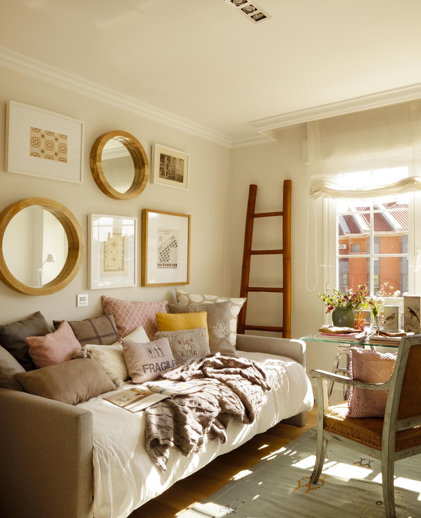 Por qu decorar nos da felicidad deco bedrooms pinterest sof s cama sof y escritorios - Sofa dormitorio ...