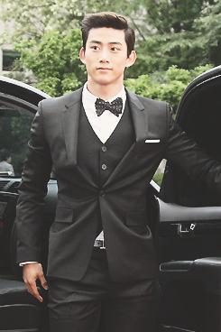 옥택연 Ok Taec Yeon sooooo handsome!