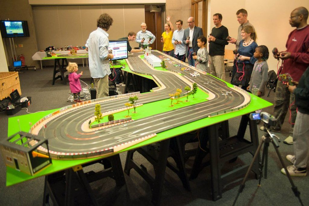 Amazing Racing - Digital Scalextric Track | London| UK