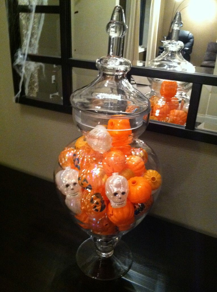 Halloween Decorating at Chick Chat This and That - easy ideas that - when should you decorate for halloween