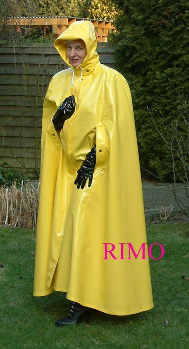 ,yellow cape | Things to Wear in 2019 | Pvc raincoat ...