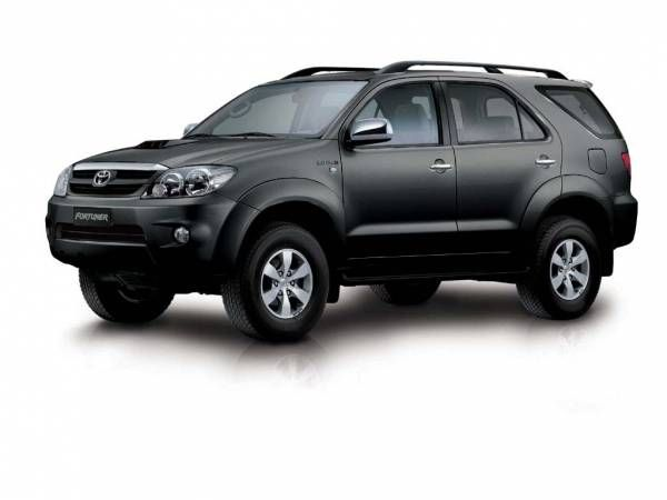 Toyota Fortuner Matte Black Traveling By Yourself Toyota Mini Bus