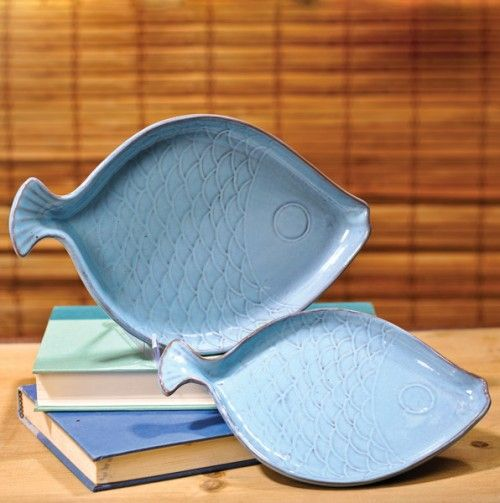 Set of 2 Fish Shaped Dishes blue