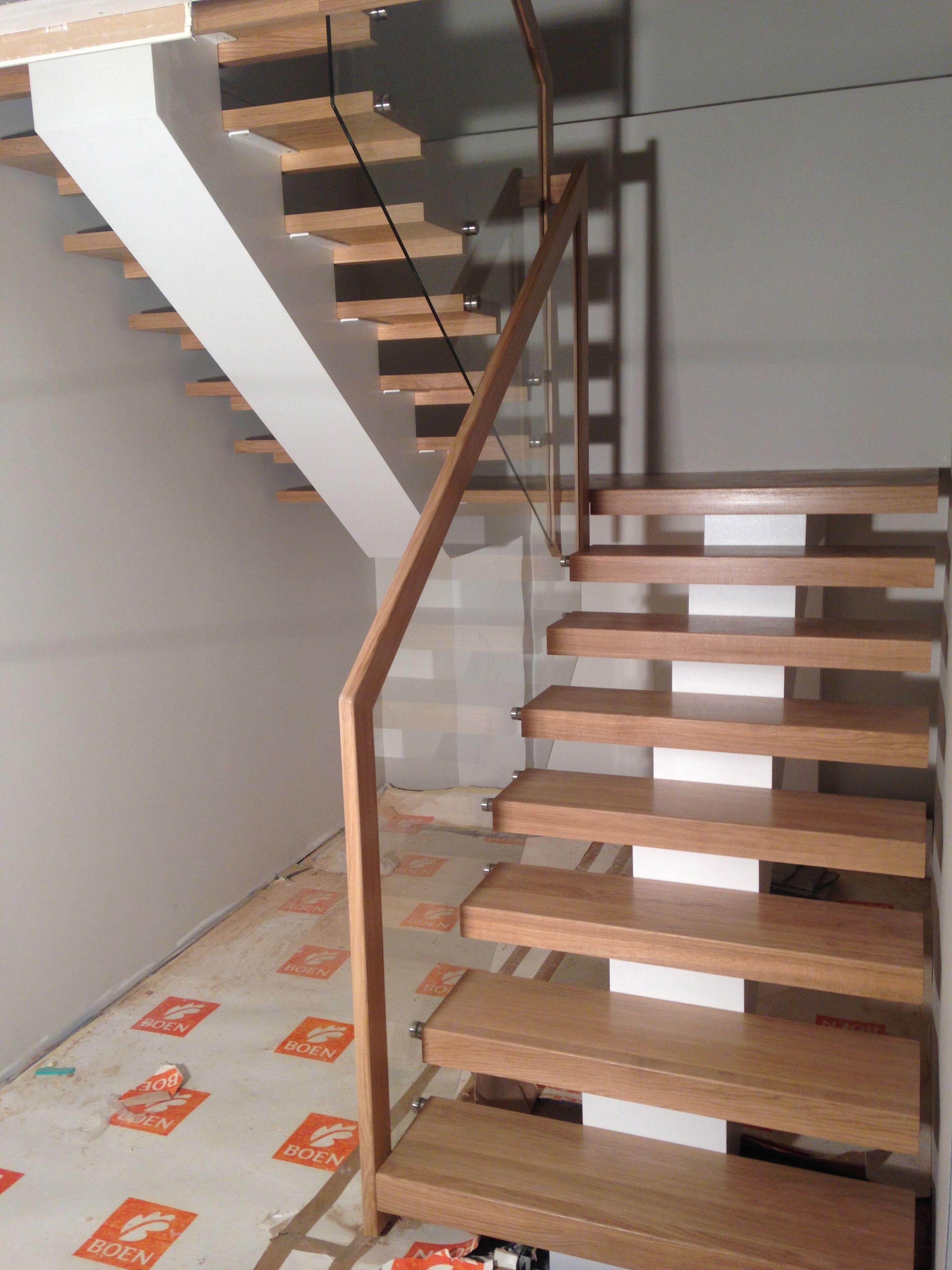 Steel Construction, Oak Wood Steps, Glass Railings