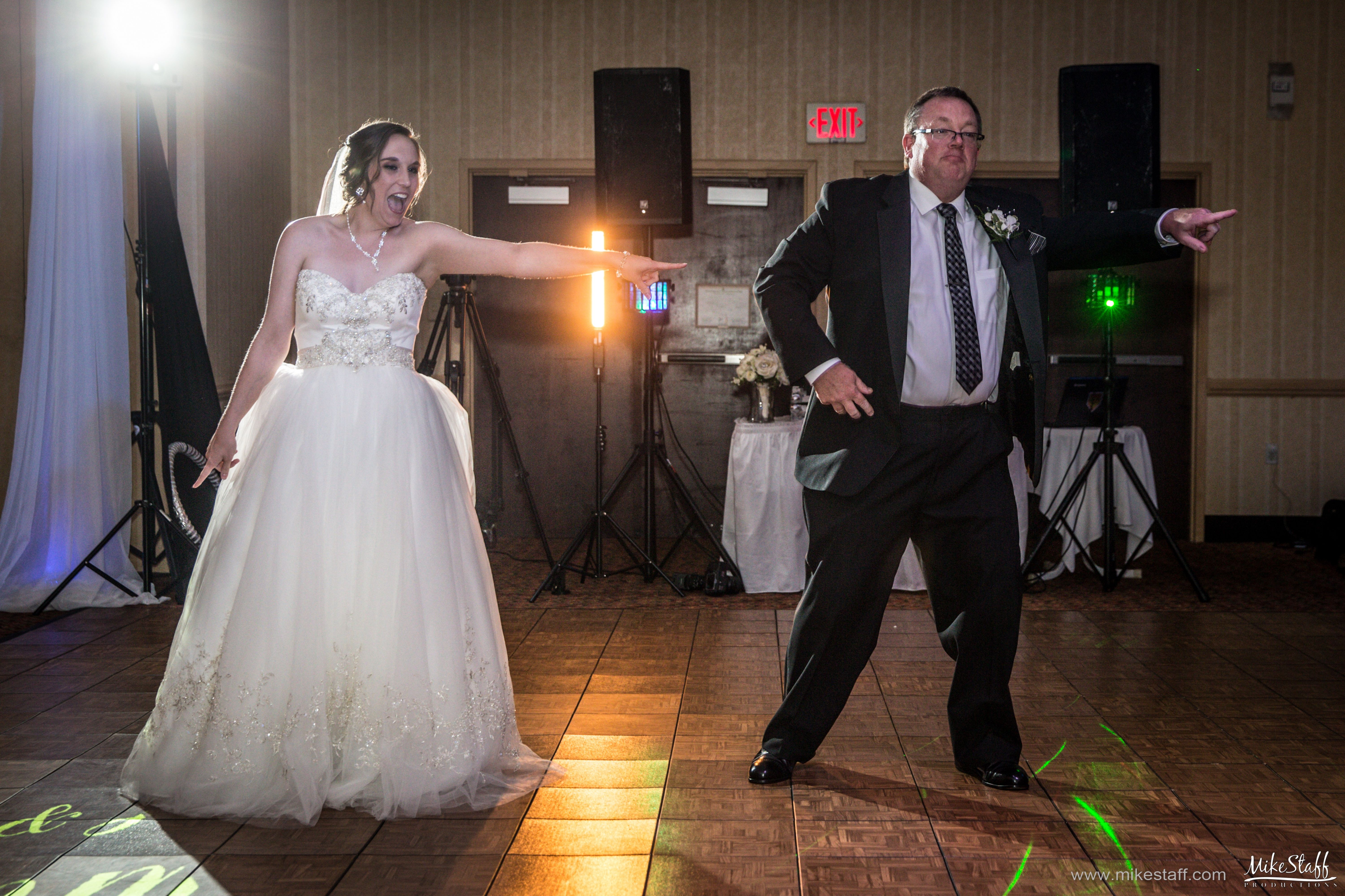Wedding Reception Time Savers Mike Staff Productions Wedding Reception Photography Michigan Wedding Reception Wedding Dj