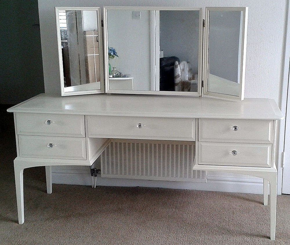 Stag Minstrel Dressing Table With Triple Mirror In White