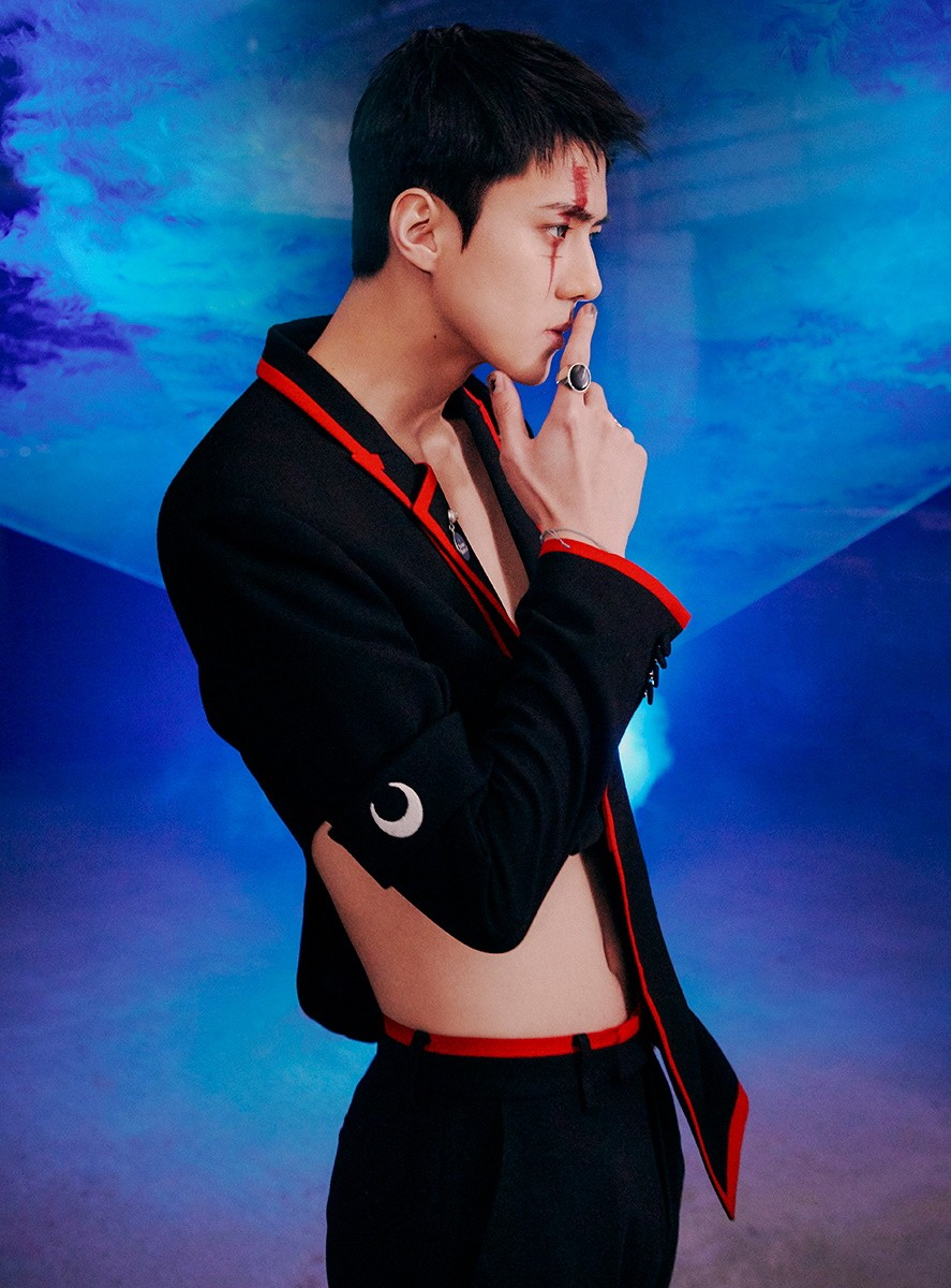EXO's Sehun comes face to face with doppelganger in 'Obsession' teasers!