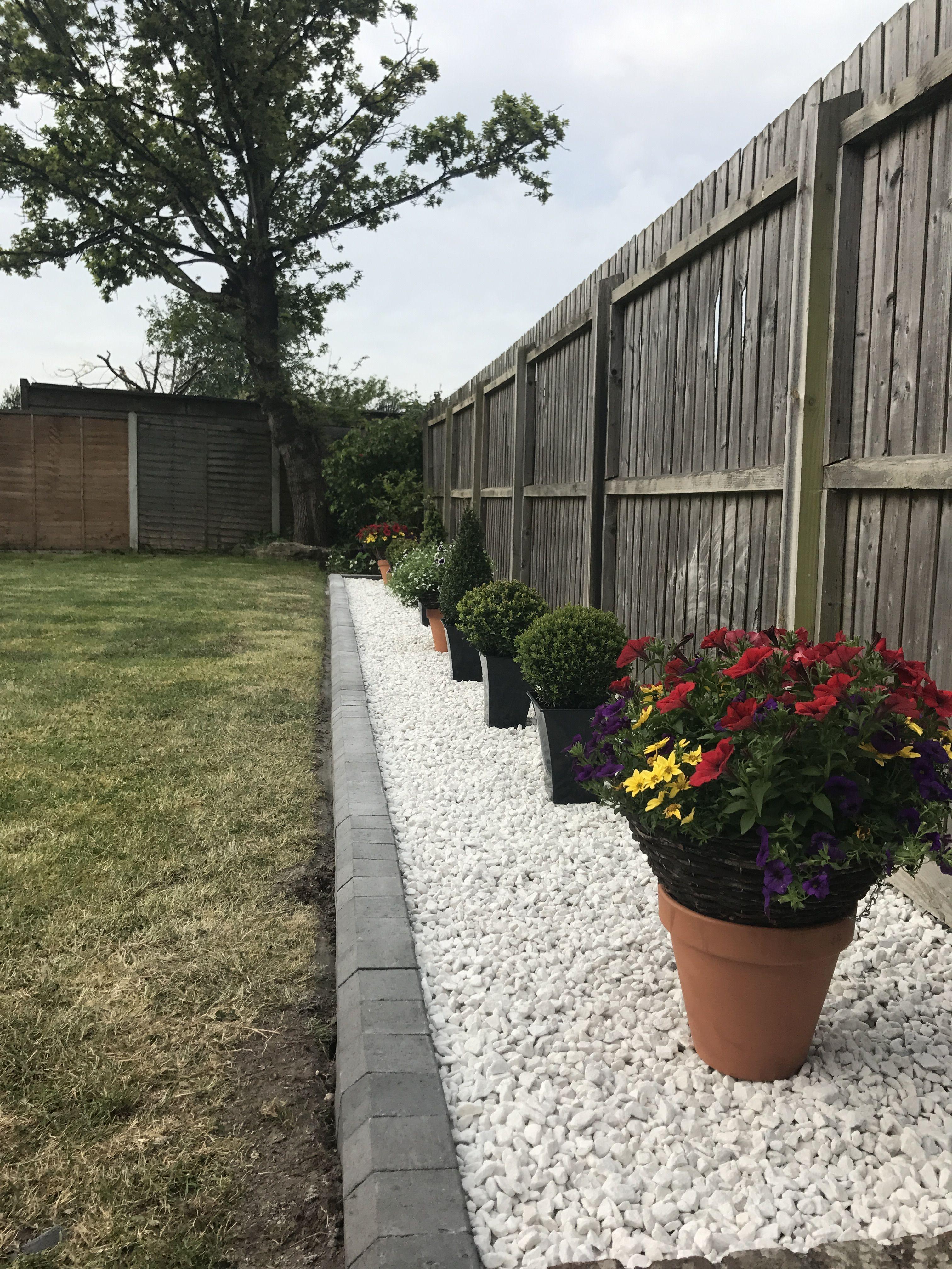 1 Best 45 Best Side Yard Garden Design Ideas Get Inspired To Transform An Unused Side Yard Alongside Side Yard Landscaping Diy Landscaping Patio Landscaping