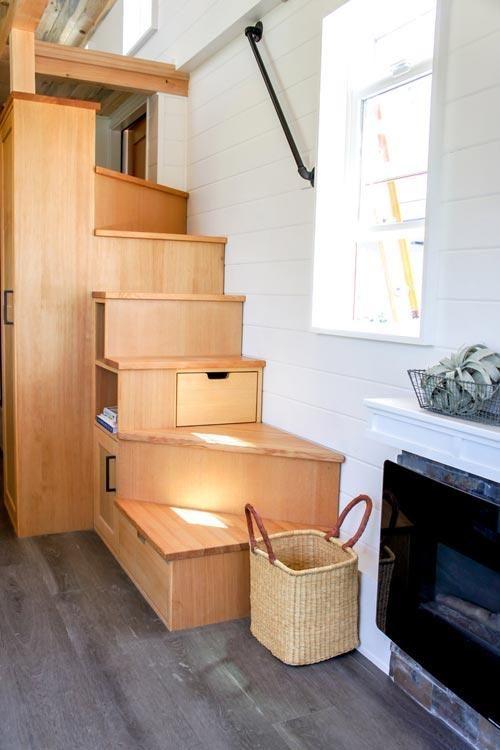 28 Kootenay Country Tiny House On Wheels By Truform