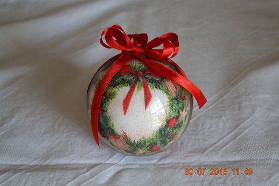 """Photo of Sfera natalizia découpage/Decorazione per l'albero di Natale – Christmas bauble ornament hand-decorated """"Ghirlanda"""""""