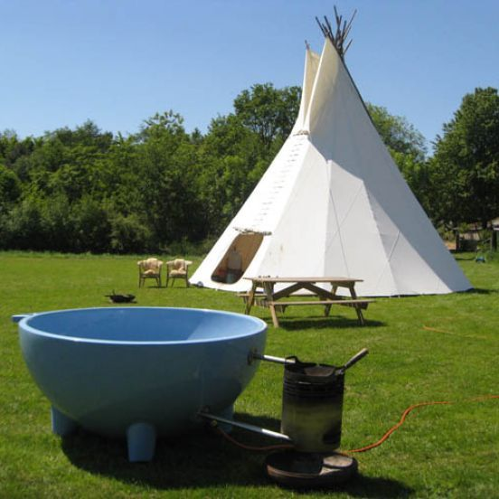 Bij ons in groesbeek camping pipowagen tipi dutchtub going to pinterest - Camping noirmoutier tipi ...