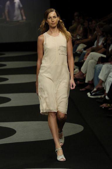 Coleção // Andrea Saletto, Fashion Rio, Inverno 2004 RTW // Foto 3 // Desfiles // FFW