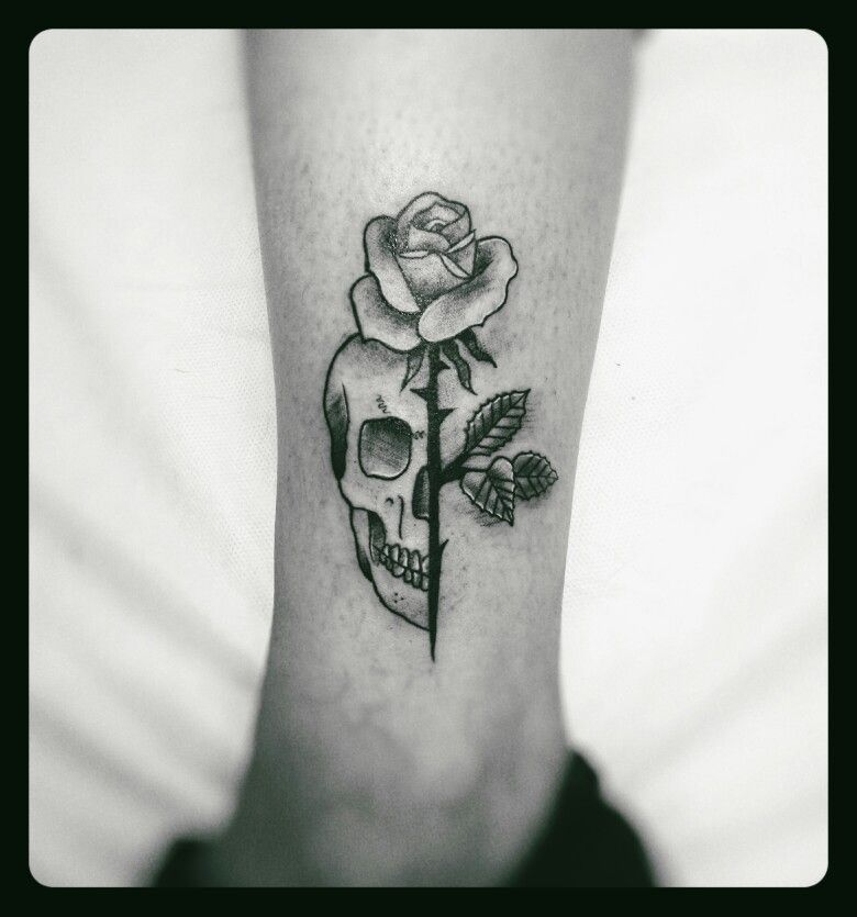 65506413b Skull and rose Geometric Tattoo Skull, Small Skull Tattoo, Skull Couple  Tattoo, Skull