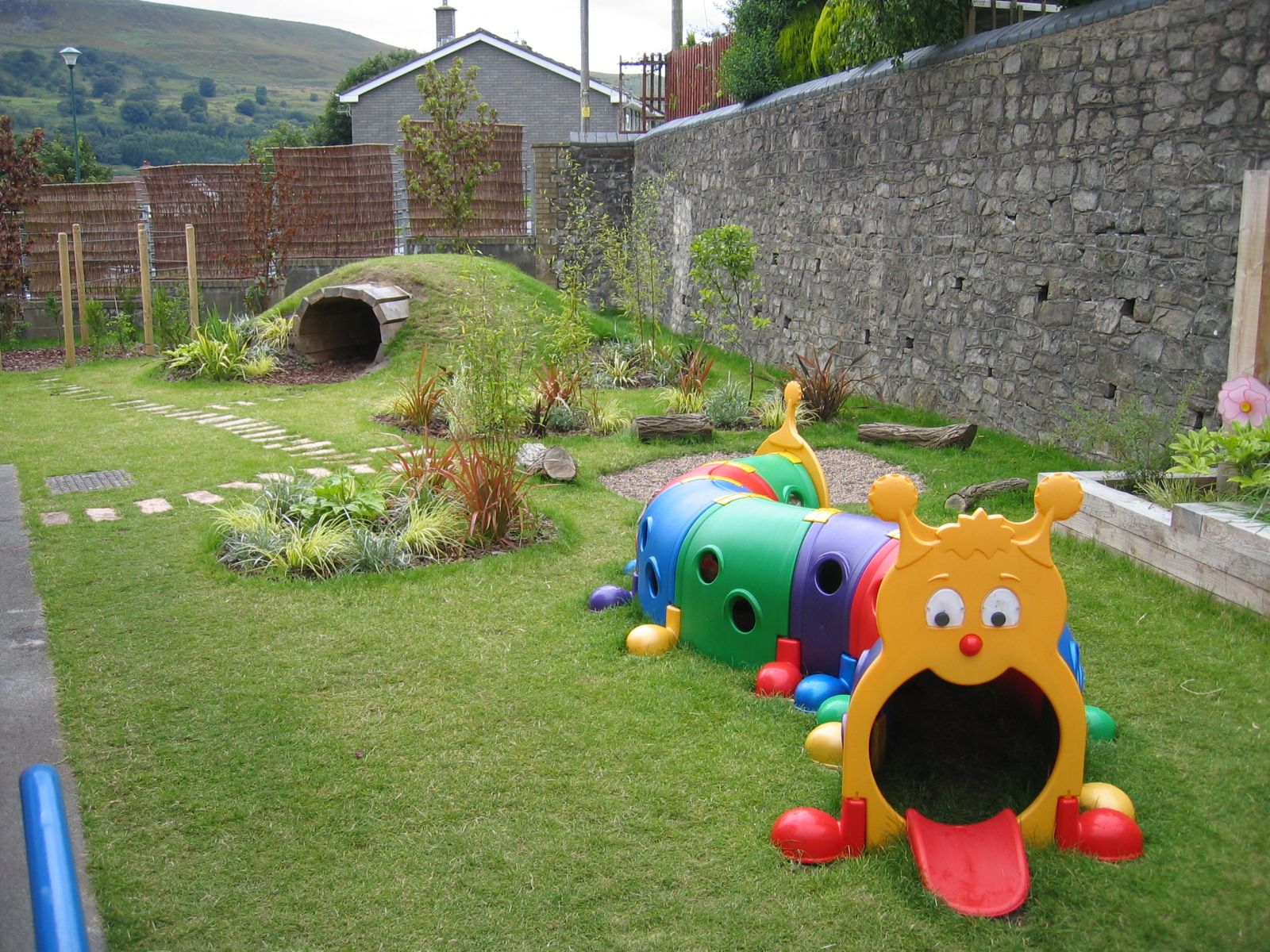 children's outdoor play areas -so doing the little cave, i can see so much
