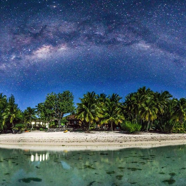 Aitutaki (Cook-islands). Glorious night sky.