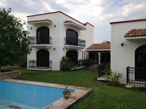 Hermosa casa estilo colonial espa ol villas la hacienda for Legalizar casa en terreno rustico
