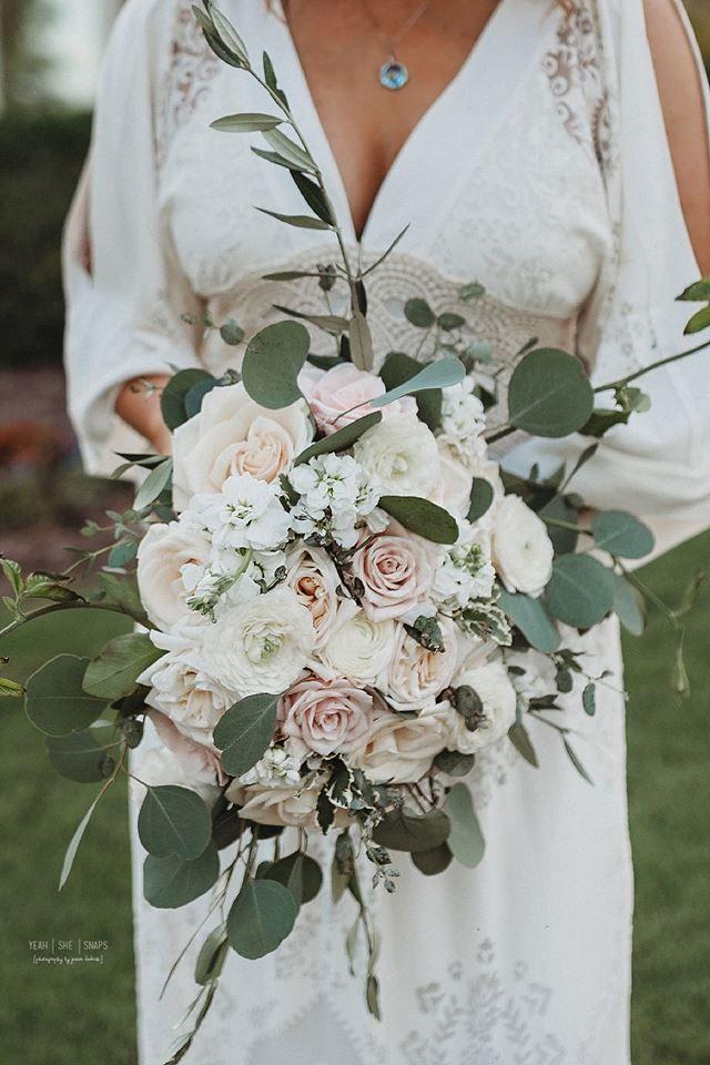 Wilde Brautstrauß, erröten und weiß Brautstrauß, erröten und weiß Hochzeit flo ...   - Sisters wedding    #Brautstrauß #erröten #flo #Hochzeit #Sisters #und #Wedding #Weiß #wilde #whitebridalbouquets