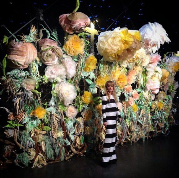 Marianne Eriksen Scott-Hansen (@marianneeriksenscotthansen) on Instagram:  #paperflowers 🌸🌺🌼💥 #paperart