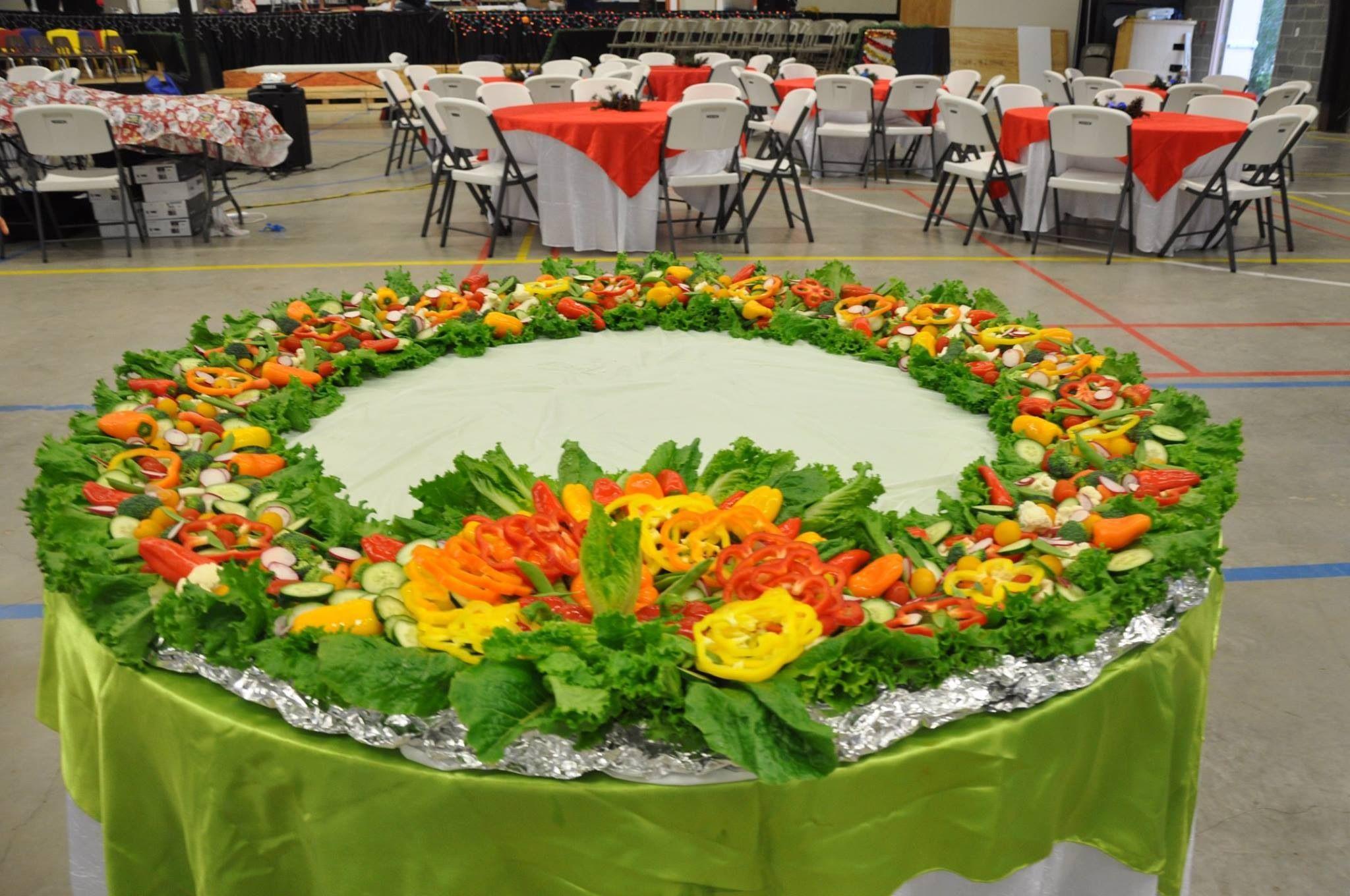 Christmas wreath vegetable salad | Vegetable salad ...